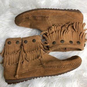 Minnetonka Double Fringe Zippered Short Boots
